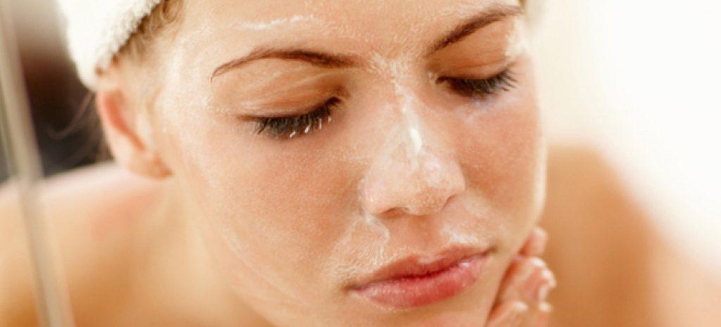 Как очистить кожу лица: этапы, правила и средства
