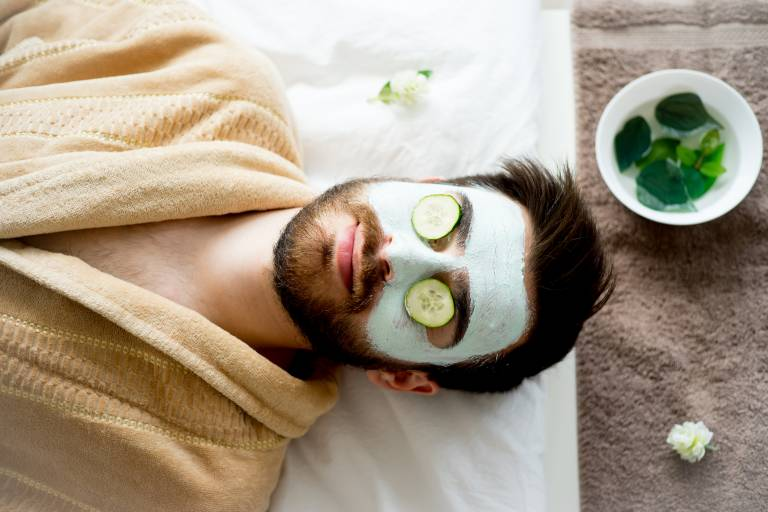 Уход за жирной кожей лица у мужчин